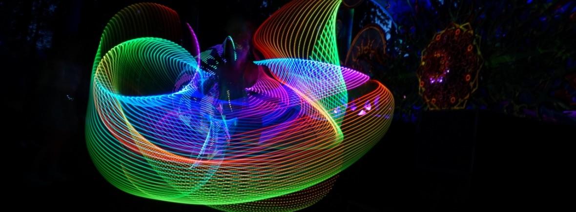 Valosirkus Spektri Kosmoksessa